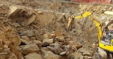 Scavo terreno roccioso